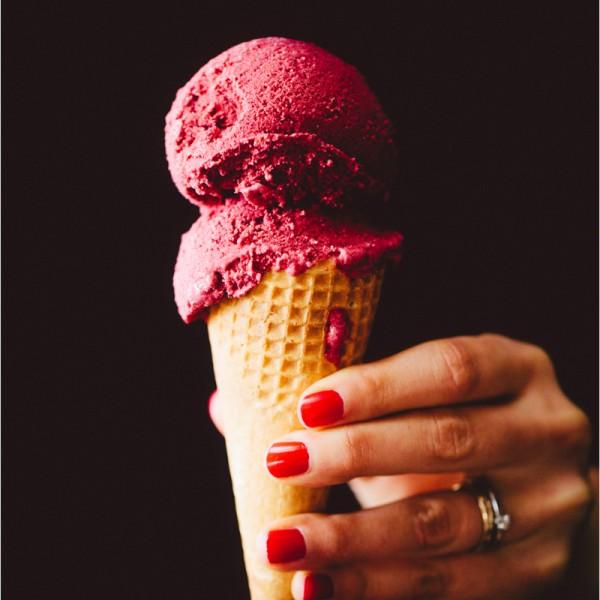 Joghurt Beeren Eis - berries frozen yogurt