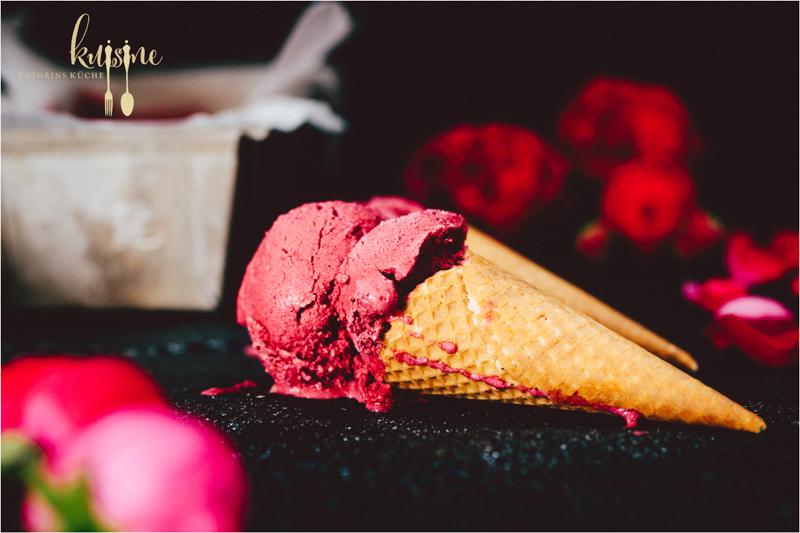 joghurt beeren eis berries frozen yogurt von kuisine. Black Bedroom Furniture Sets. Home Design Ideas