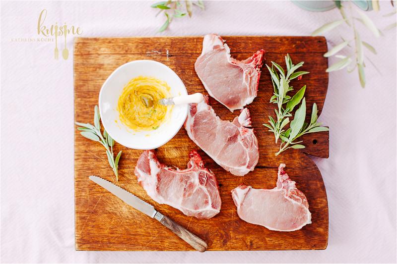 kuisine-gegrillte-schweinekoteletts-mit-salbei-und-thymian-kartoffeln-4