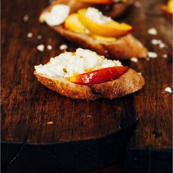 Nektarinen Crostini - crostini with nectarines