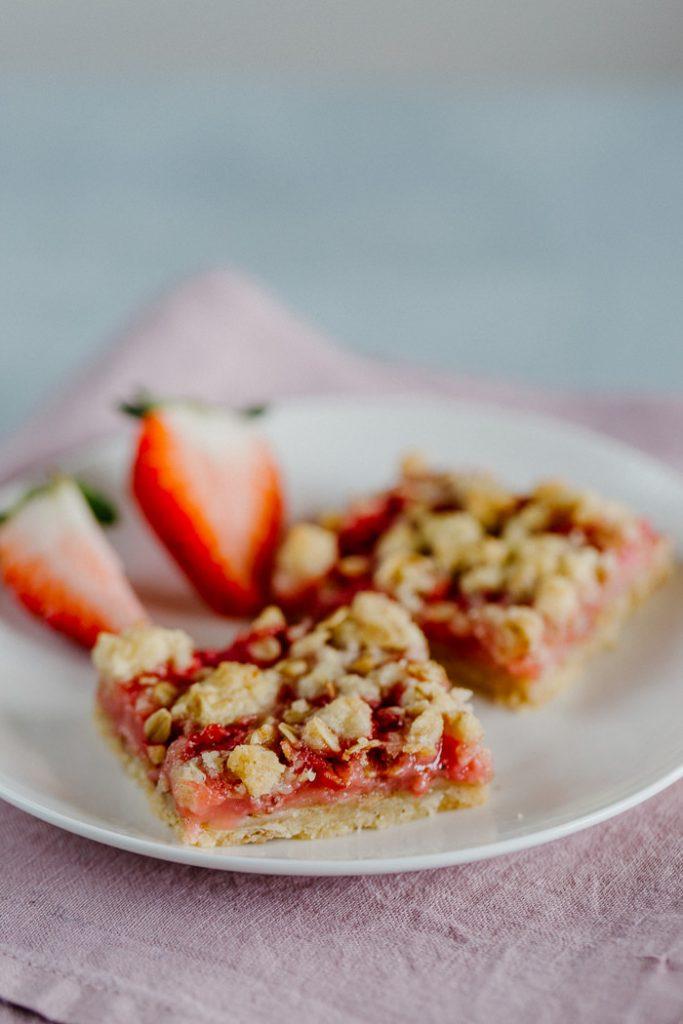 kuisine-erdbeeren-streusel-schnitten-036